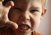 کودکان بی ادب را اینگونه کنترل کنید