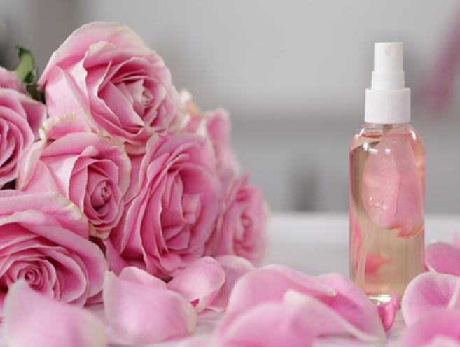 گلاب چه کاربردهای مؤثری دارد؟