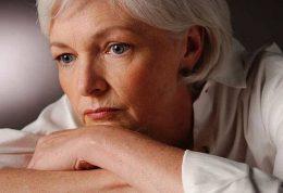 چگونه با عوارض ناشی از یائسگی مقابله کنیم