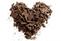 با مصرف شکلات از سکته قلبی در امان بمانید