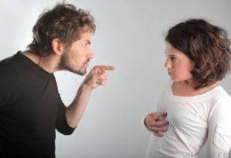 رفتار صحیح با همسر ایرادگیر و انتقاد کننده