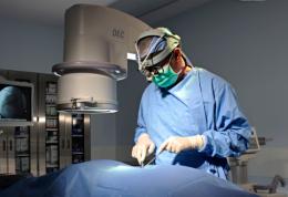 جراحی شبکیه و خوابیدن به صورت پس از آن