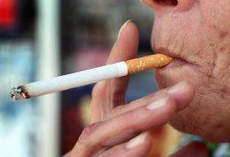 اگر مادر بزرگ سیگاری دارید بخوانید