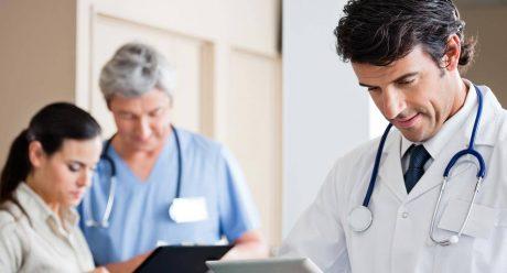 چه ارتباطی میان رابطه مالی بیمار و پزشک وجود دارد؟