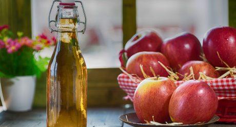 چه کسانی باید از نوشیدن سرکه سیب پرهیز کنند؟
