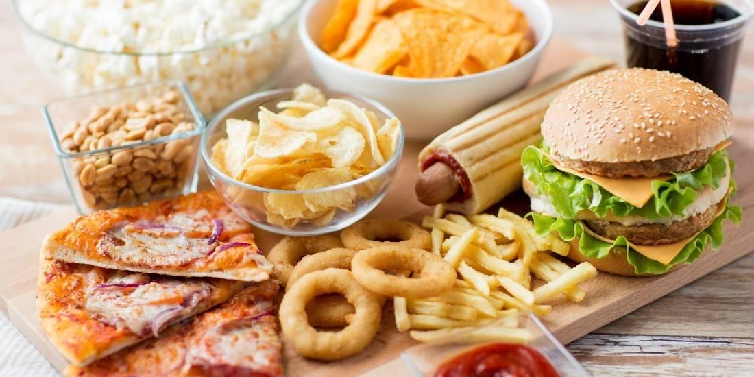 درمان سردرد در خانه درمان سردرد با داروهای گیاهی چگونه سردرد را درمان کنیم تسکین سردرد با رژیم غذایی مناسب