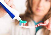خمیر دندان فلوراید دار مزایا و معایب