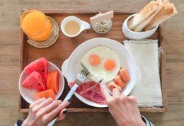چه بخوریم تا وزنمان پایین بماند