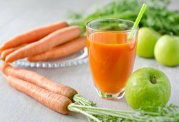 تقویت استخوان ها با نوشیدن آب هویج