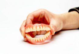 دندان مصنوعی و پروتزها