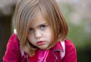چگونه با کمرویی کودکان مقابله کنیم؟