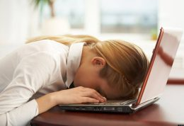 رفع خستگی مداوم با خوابیدن