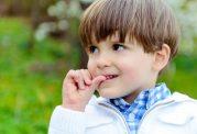 مکیدن انگشت و آسیب دندان کودکان