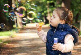 بررسی اصلی ترین نکات در رابطه با تربیت فرزند دختر