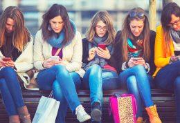 رسانه های اجتماعی و عواقب آن برسلامت ذهنی و جسمی