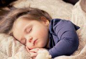 چگونه کودک را از والدین جدا بخوابانیم؟