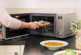 آیا استفاده از مایکروفر برای آماده کردن غذا خطرناک است؟