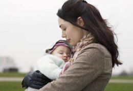 خوردن شیر مادر چه فوایدی برای کودک دارد؟