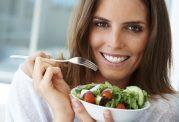 تغذیه غلط عامل اصلی ابتلای زنان به سرطان!
