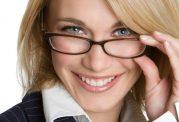خانم های عینکی چطور آرایش کنند؟