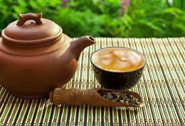 زیاده روی در خوردن چای سیاه سبب استرس می شود