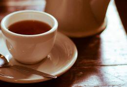 خرما، توت، انجير يا كشمش؟ چای را با چه چیزی بنوشیم؟