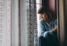 عامل اصلی ناتوانی زنان در ایران، افسردگی است