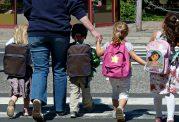 چگونه کیف دانش آموزان را سبک کنیم؟