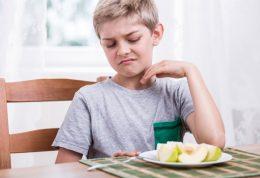 چرا خردسالان در تابستان میلی به غذا خوردن ندارند؟