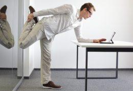 مزایای بلند شدن از پشت میز کار