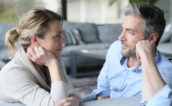 گیر دادن به همسر چه عواقبی دارند؟