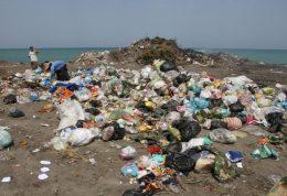 تخریب محیط زیست با زباله ها