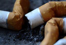 ترک سیگار با پیاده روی در فضای سبز