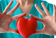 حمله قلبی چه دلایلی دارد؟