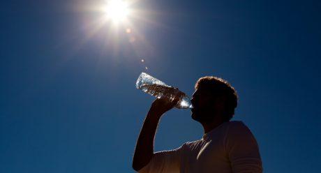 10 علامت خطرناک که نشان از کمبود آب بدن شماست