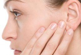 بررسی علل و نشانه های سردرد پشت گوش
