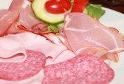 خوردنی های تاثیرگذار در ابتلا به سرطان