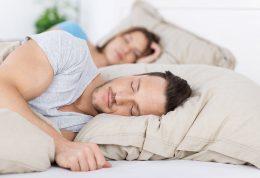 نحوه خوابیدن در بزرگسال و جوانان