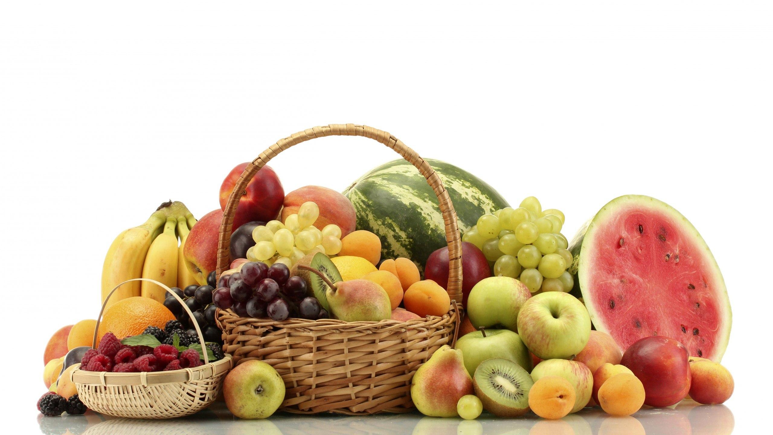 نوجوانان چرا نباید قبل از غذا میوه خورد
