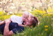 با فواید بی نظیر در آغوش گرفتن آشنا شوید