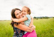 کاهش افسردگی با در آغوش گرفتن عزیزان