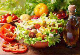 افزودن روغن به سالاد باعث افزایش مواد مغذی می شود