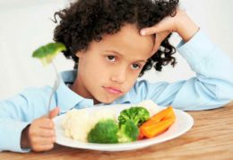 بررسی اصلی ترین علل بد غذایی کودکان و روش های درمان
