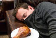 ارتباط باورنکردنی کمبود خواب و پرخوری