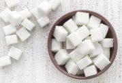 آشنایی با خوراکی های مضر برای سلامت روحی