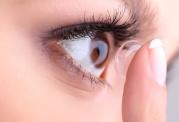 روش های نگهداری لنز چشم