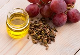 خواص اعجاب انگیز روغن هسته انگور را بشناسیم