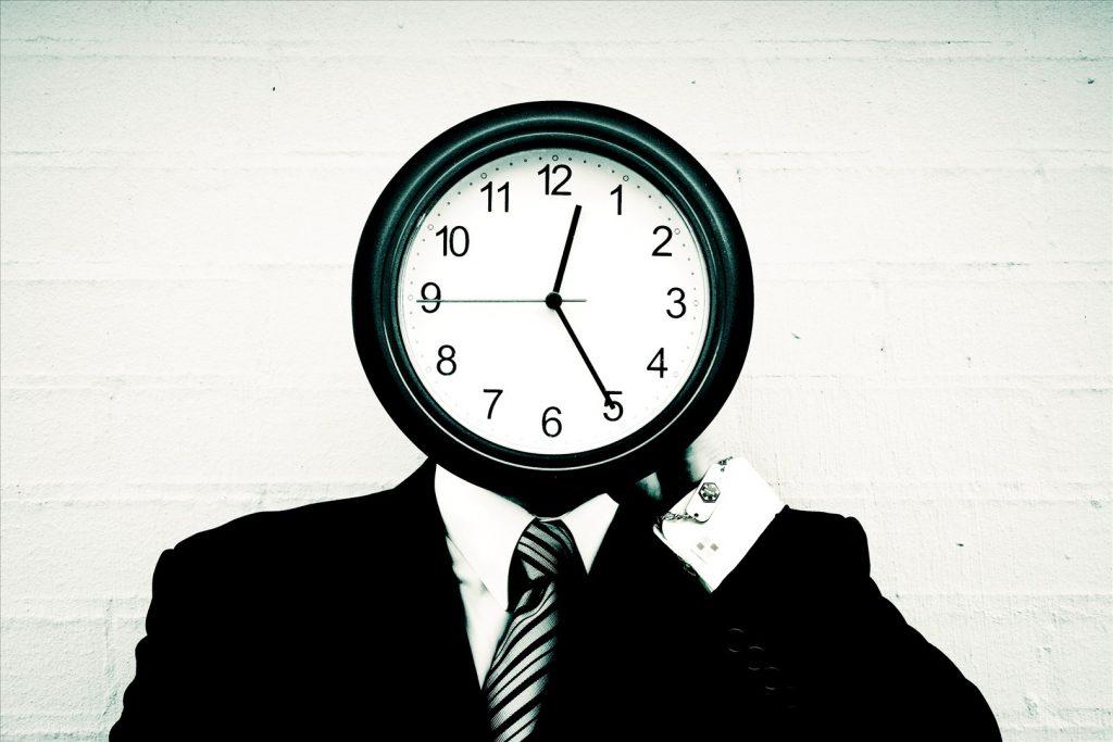 چرا هر چقدر بزرگتر می شویم، زمان زودتر سپری می شود؟