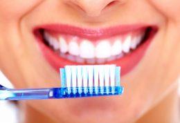 چگونه دندان های سفیدی داشته باشیم؟