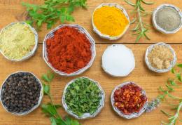 10 مورد از بهترین آنتی بیوتیک های طبیعی